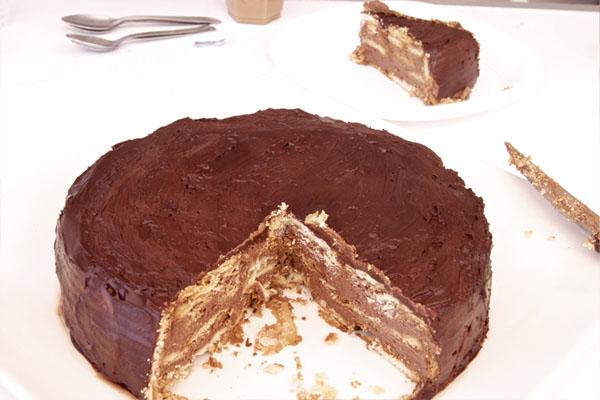 Tarta de galletas y chocolate fácil - Capas
