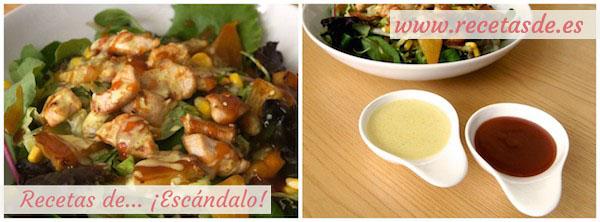 Emplatado de la ensalada y presentación de la salsa agridulce china casera y la leche de coco al curry