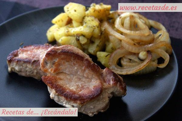 Solomillo de cerdo con salsa roquefort recetas de esc ndalo - Solomillo a la pimienta al horno ...