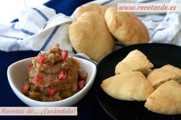 Pan de pita casero y baba ganoush
