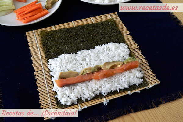 Aguacate en el maki sushi