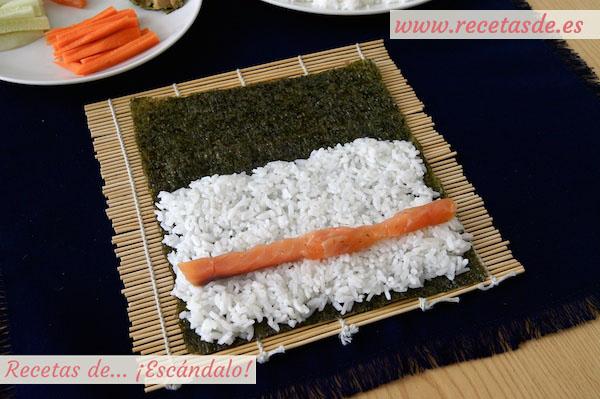 Salmón en el maki sushi