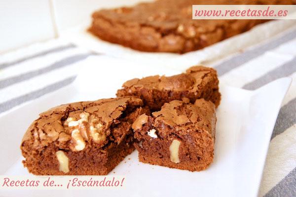 Brownie de chocolate con nueces, la receta más fácil