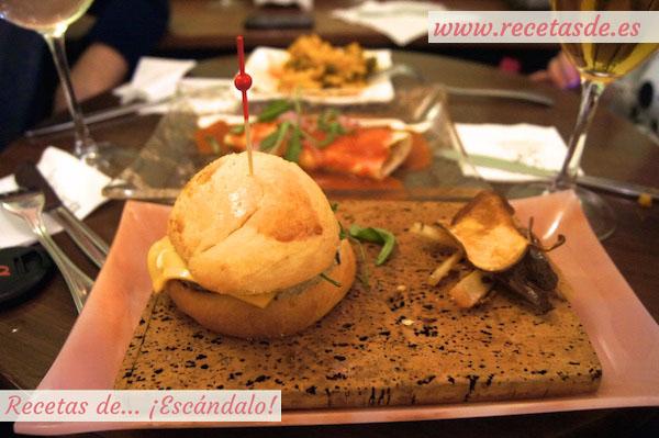 Burguer-brioche de retinto con mayonesa trufada y crujientes de verduras