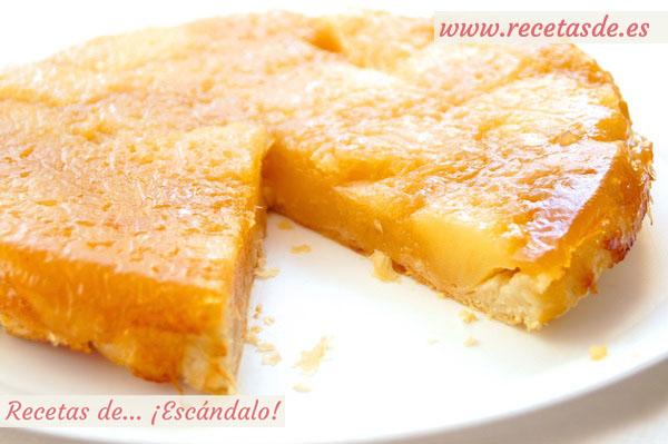 Receta de tarta tatin de manzana con hojaldre, casera y fácil