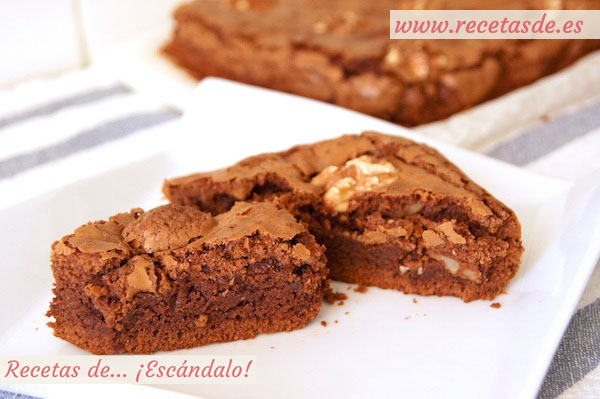 Receta fácil de brownie de chocolate con nueces