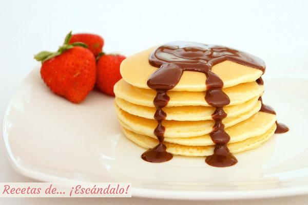 Receta de tortitas americanas Tortitas americanas caseras o pancakes, la mejor receta o pancakes con sirope de chocolate casero y fresas