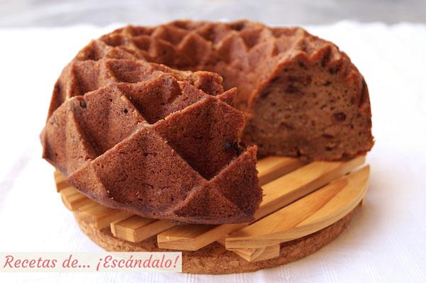 Bundt cake de platano, chocolate y canela