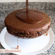 Como hacer una cobertura de chocolate brillante, ideal para tartas y bizcochos