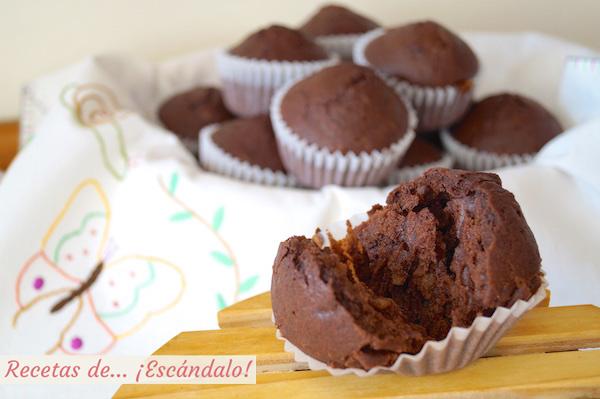 Magdalenas de chocolate caseras y esponjosas