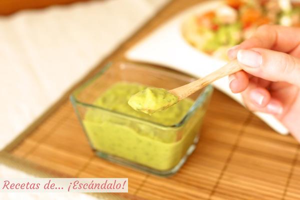 Receta de salsa verde de aguacate casera