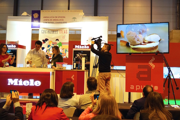 Showcooking en salon de gourmets