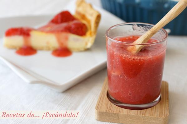 Receta de coulis de fresa casero, ideal para la tarta de queso