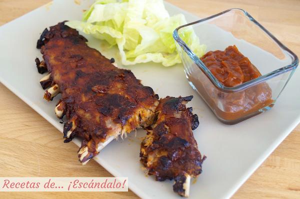 Receta de costillas de cerdo al horno con salsa barbacoa casera y guarnicion