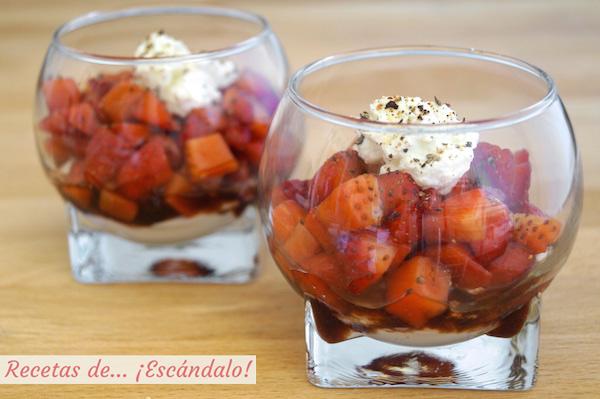 Receta de fresas con vinagre balsamico y queso en vasito