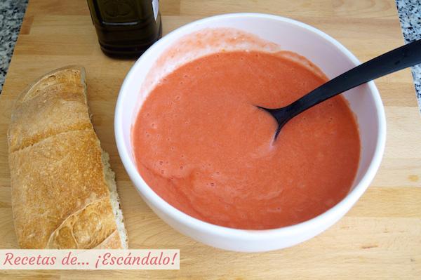 Zumo de tomate para el salmorejo