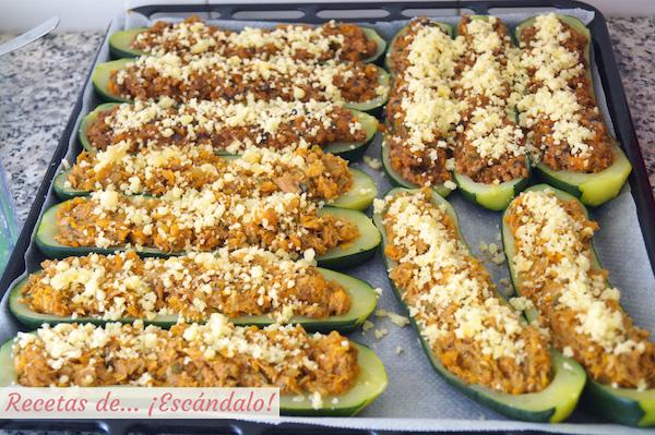 Calabacines rellenos de carne con queso