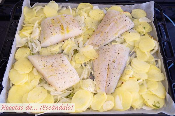 Receta de asado de bacalao al horno con patatas y cebolla, receta facil