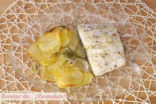 Receta facil de bacalao al horno con patatas y cebolla
