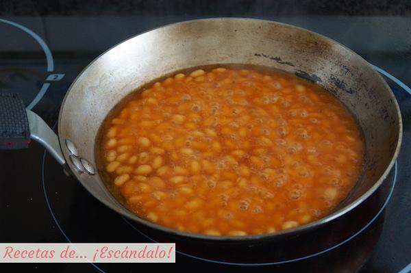 Alubias o frijoles con tomate
