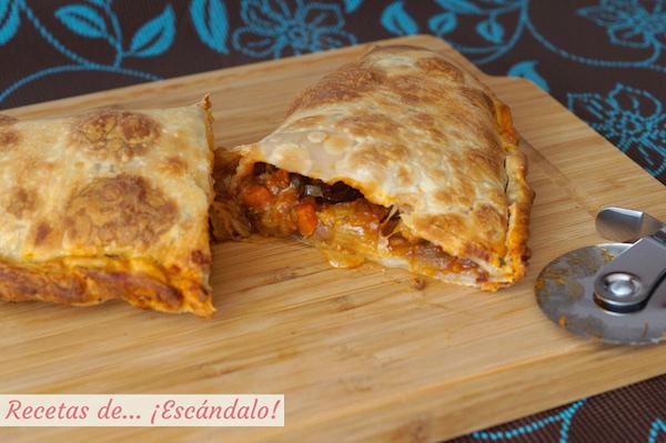 Receta de pizza calzone casera con salsa bolonesa y verduras