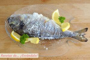 Dorada a la sal, un pescado al horno facilísimo