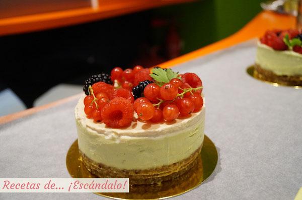 Cheesecake sin coccion de aguacate, lima y coco