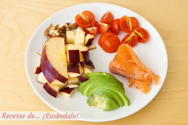 Ingredientes para la ensalada de aguacate y salmon