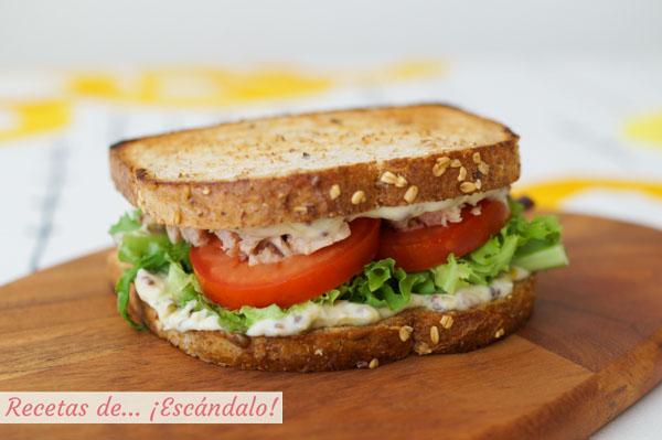 Sandwich vegetal con atun y mayonesa a mi manera