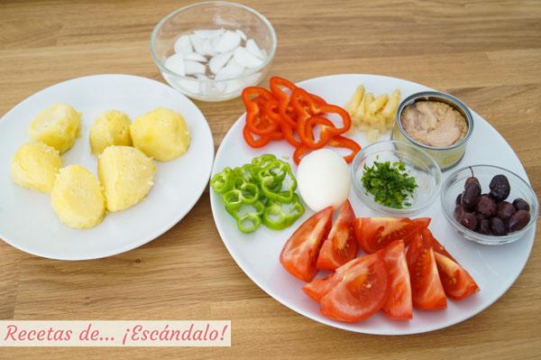 Ingredientes para la ensalada campera de patatas tradicional