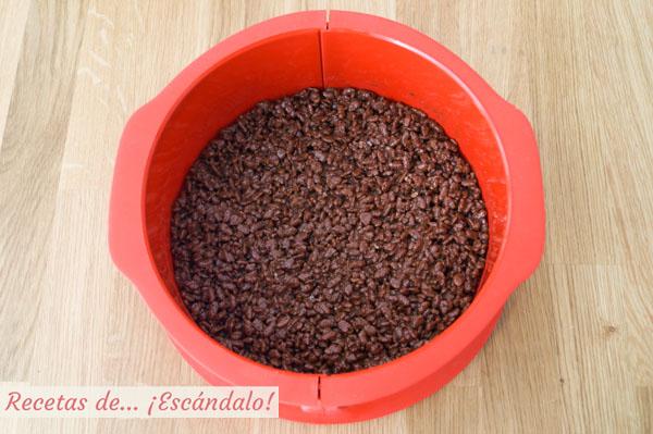 Base de la tarta de turron de chocolate y queso