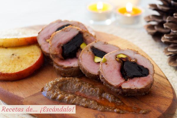 Receta de solomillo de cerdo relleno al horno con manzana y salsa de cebolla al Oporto