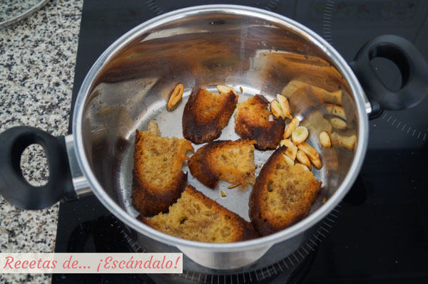 Pan duro frito