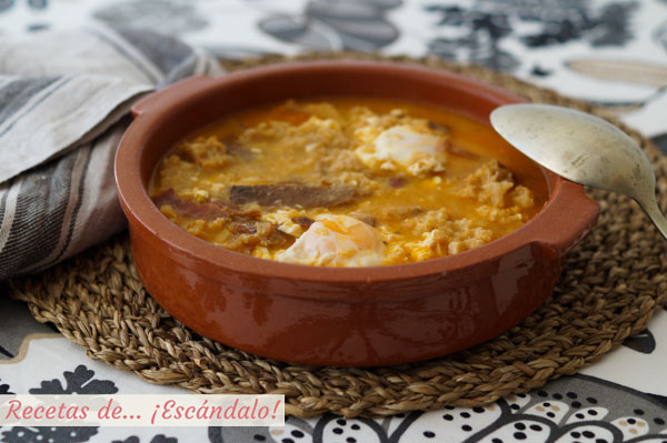 Receta tradicional. Sopa de ajo o sopa castellana
