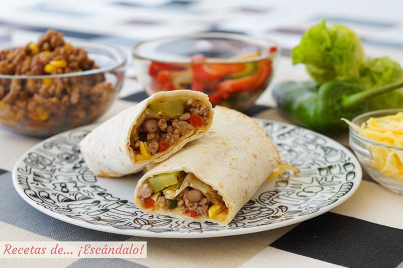 Burritos mexicanos con carne picada y frijoles