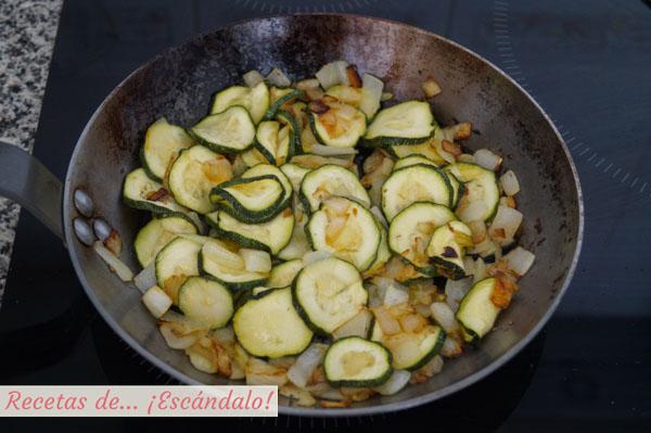 Calabacin y cebolla