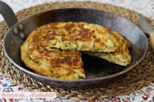 Tortilla de calabacin y cebolla. Receta facil y muy rica