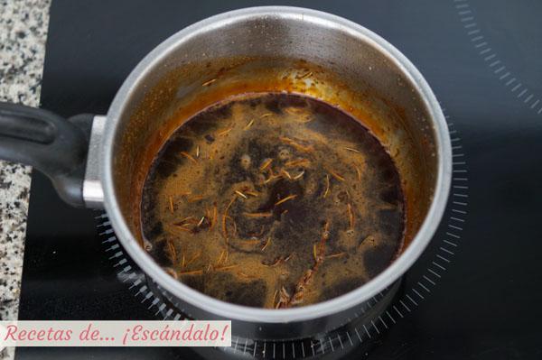 Glaseado de miel y vino tinto al romero