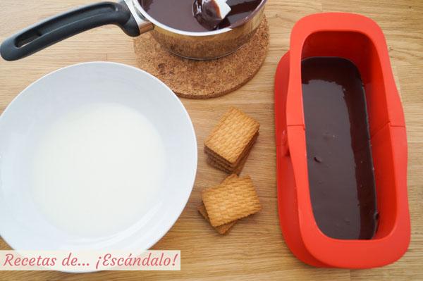 Receta de tarta de chocolate y galletas