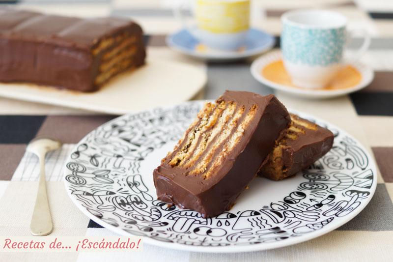 Tarta de galletas y chocolate sin horno. La más fácil y con potente sabor a chocolate