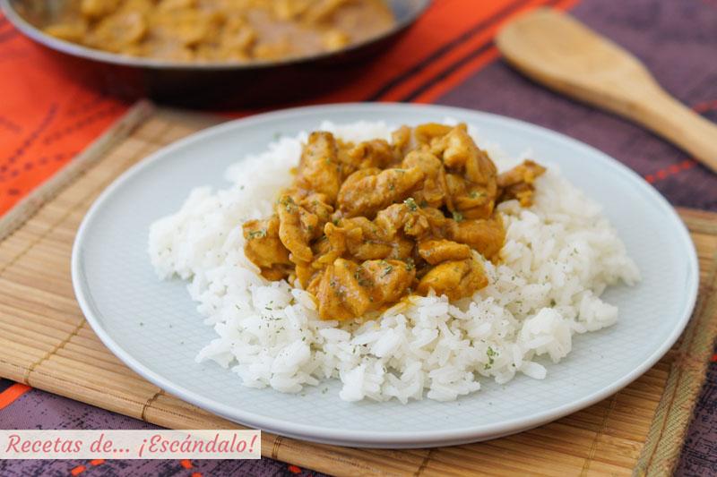 Pollo al curry con arroz y leche de coco. Receta facil y rica