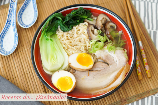 Receta de ramen casero, una sopa japonesa deliciosa y reconfortante