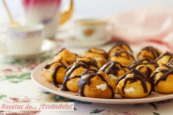 Receta paso a paso de profiteroles rellenos de nata y con chocolate caliente