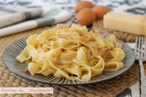 Tagliatelle a la carbonara, la receta tradicional italiana sin nata