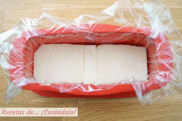 Pastel frio de atun con pan de molde