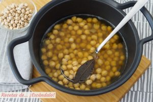 Cómo cocer garbanzos en olla tradicional o en olla rápida. Tiempos y trucos