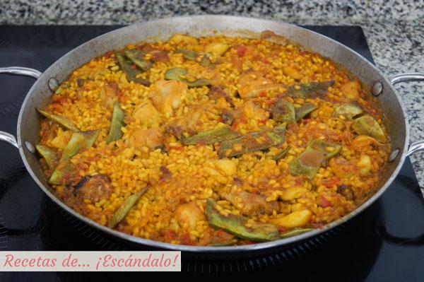Como hacer paella mixta con marisco, carne y verduras. Receta de arroz deliciosa