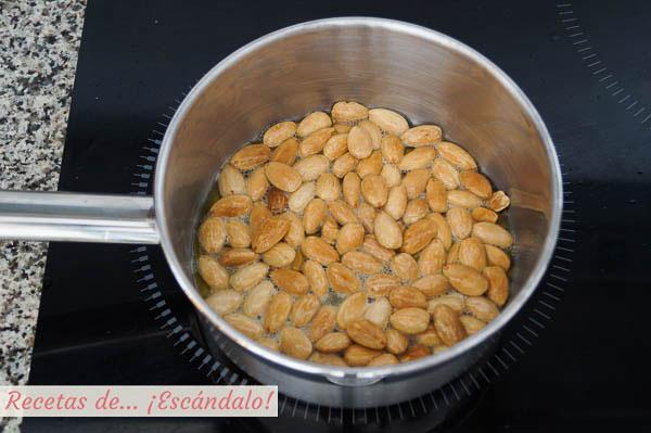 Almendras tostadas con aceite