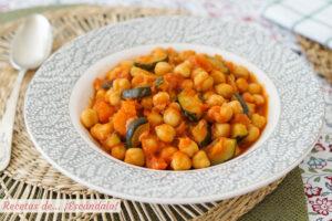 Potaje de garbanzos con verduras, facil y rico