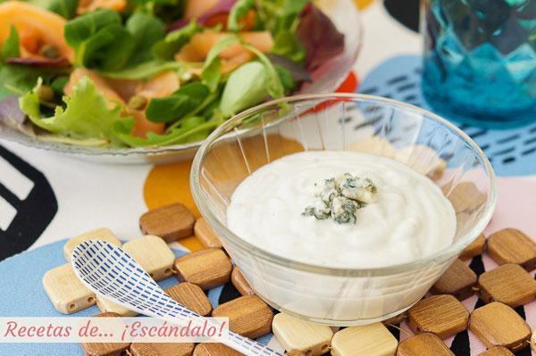 Receta de salsa de queso roquefort y yogur para ensaladas, riquisima